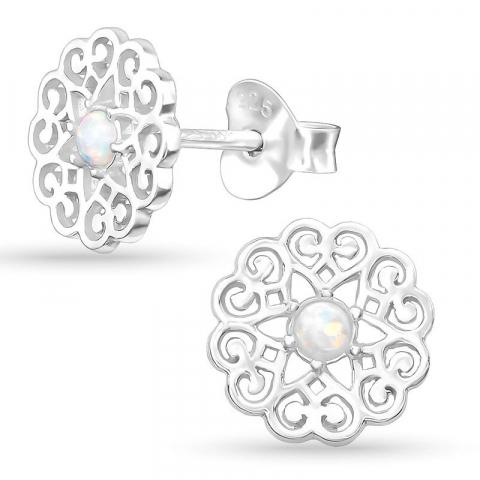 8 mm opal örhängestift i silver
