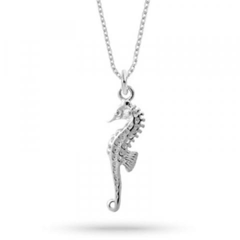 halsband i silver med hängen i silver