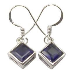 Fyrkantigt iolit örhängen i silver