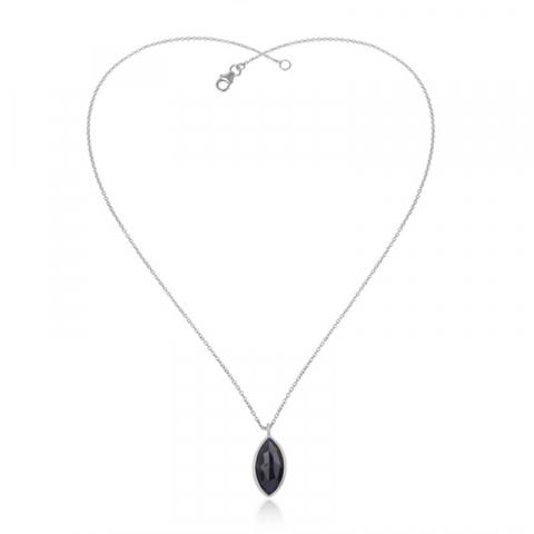 oval halsband i silver med hängen i silver