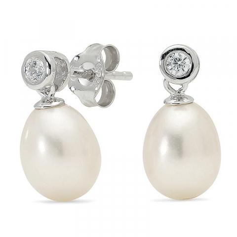 Sköna pärla örhängen i silver