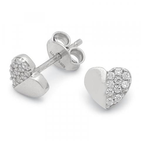Sköna hjärta örhängen i silver